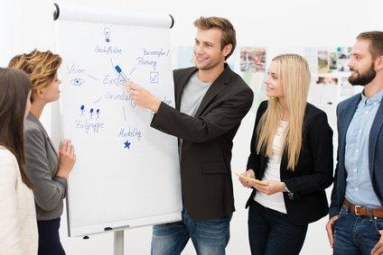 junges team arbeitet an der existenzgründung